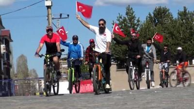hukumet konagi - Kayakçılar bisiklet turuyla 19 Mayıs'ı kutladı - KARS