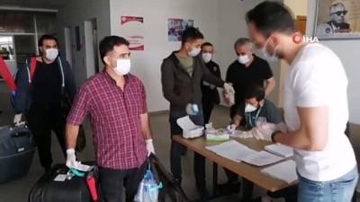 saglik taramasi -  Van'da karantina süresi dolan 142 kişi, evlerine uğurlandı