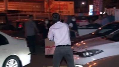 sinema filmi -  Kocaeli'de yüzlerce vatandaş arabalarından sinema filmi izledi