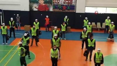 nano -  Çorum'da evden çıkamayanlara drone ile maske servisi