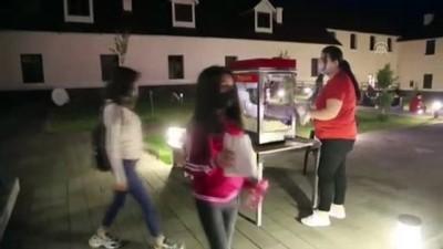 sinema salonu - Tunceli Valiliği vatandaşlara açık havada 'beyaz perde' heyecanı yaşatıyor