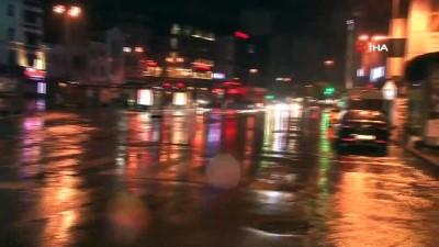 Beklenen yağmur etkili oldu Caddebostan Sahili boş kaldı