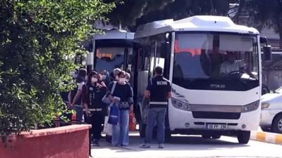 FETÖ operasyonunda yakalanan 21 eski polis adliyeye sevk edildi - BALIKESİR