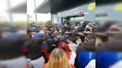 oyun konsolu -  - Fransa'da indirimli oyun konsolu izdihama neden oldu, polis gazla müdahale etti