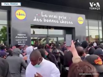 oyun konsolu - Fransa'da Ucuz PlayStation Yüzünden İzdiham