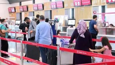 ucak bileti -  Kısıtlamadan muaf biletli yolcular sorunsuz seyahat ediyor