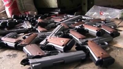 Silah imalathanesine baskın: Kuru sıkıdan dönüştürülen 60 tabanca ele geçirildi