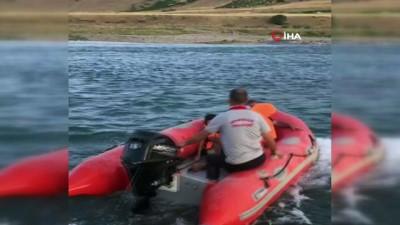 baraj kapaklari -  Sular yükselince nehirde mahsur kalan 10 kişilik aileyi itfaiye ekipleri kurtardı
