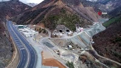 karayolu tuneli -  Türkiye'nin en uzun çift tüplü karayolu tünelinin yüzde 68'i tamamlandı