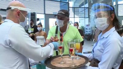 Turistlere yönelik Kovid-19'u kapsayan sağlık sigortası takdir topluyor - ANTALYA