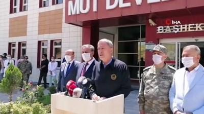 Bakan Akar: '4 askerimiz, 2 sivil şoförümüz hayatını kaybetti'