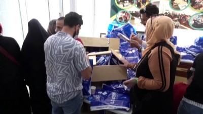 bayram hediyesi - Türk Kızılay ve Arap derneklerinden Suriyelilere kıyafet yardımı - İSTANBUL