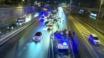bolat - Zeytinburnu'ndaki zincirleme trafik kazasında 1'i ağır 4 kişi yaralandı - İSTANBUL