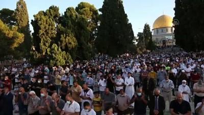 bayram namazi - On binlerce Müslüman Kurban Bayramı namazını Mescid-i Aksa'da kıldı - KUDÜS