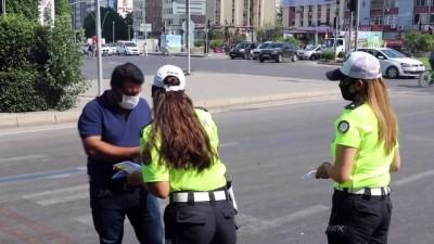 trafik cezasi - Adana'da yaya ve sürücülere yönelik trafik kontrolü yapıldı