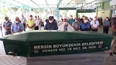Hatay Vali Yardımcısının öldürdüğü kardeşi ve annesinin cenazesi defnedildi - MERSİN