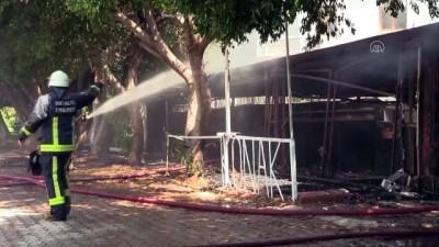 palmiye agaci - İş yerinde çıkan yangın hasara neden oldu - ANTALYA