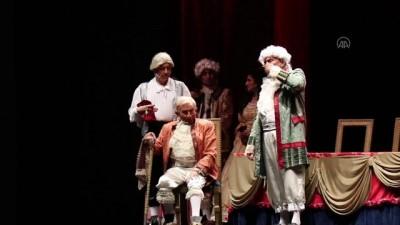 'Kibarlık Budalası' oyunu, KüçükÇiftlik Bahçe Tiyatrosunda sahnelendi - İSTANBUL