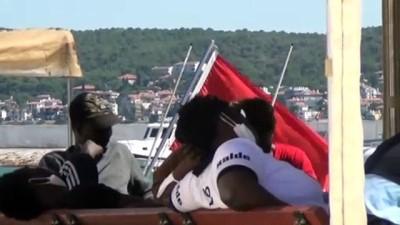 Ayvalık açıklarında Türk kara sularına geri itilen 42 sığınmacı kurtarıldı - BALIKESİR