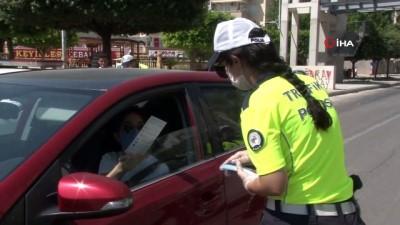 trafik cezasi -  - Polisi gören sürücüler emniyet kemerini taktı
