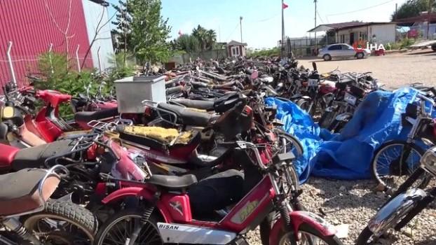 milli servet arac ve motosikletler yediemin deposunda curuyor