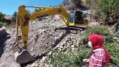 ozel okul - Dört evin yandığı olayda anneannesinin kurtulmasına görme engelli Esma vesile oldu - AMASYA