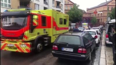 ambulans ucak -  - Almanya'da tedavi edilmesine izin verilen Rus muhalif lider Navlny, Berlin'de