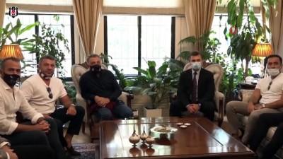 portre - Beşiktaş yönetimi Atatürk'ün evini ziyaret etti