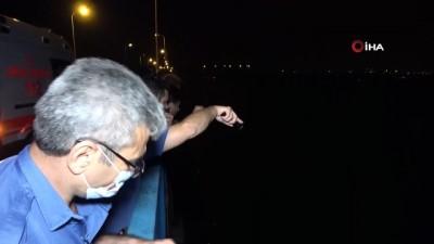 Köprüden göle düşen kişi boğulmaktan balıkçıların 'ağ' yardımı sayesinde kurtuldu