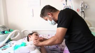 Hasta çocuğu için işini bıraktı, yardım bekliyor