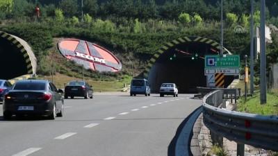 Bolu Dağı Tüneli'nden bayramda 621 bin 736 araç geçti - BOLU