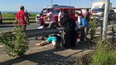 Minibüsün çarptığı kadını hayata döndürmek için yoğun çaba harcadılar ama kurtaramadılar
