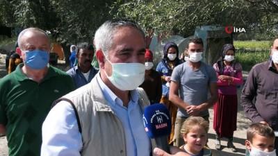 maske dagitimi -  Büyükşehir mevsimlik işçilere hijyen paketi dağıtmaya devam ediyor