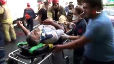 Kamyonet yolcu otobüsüne arkadan çarptı: 2 kişi araçta sıkıştı