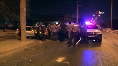 demir parmaklik -  İzmir'de vatandaşın 250 bin lirasını gasp ederek kaçan şahıslar kaza geçirdi