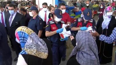 maske dagitimi -  Vali Aydoğdu maske dağıtarak halkı uyardı