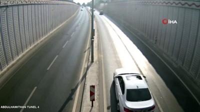 Duvara çarpan otomobil böyle takla attı
