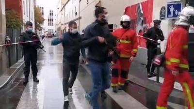Paris'te Charlie Hebdo'nun eski binası yakınlarında saldırı: 4 yaralı (4) - PARİS