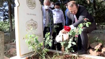saraylar - Prof. Dr. Dursun'un kaza yaptığı alandan alınan toprak Kocaeli'deki mezarına bırakıldı