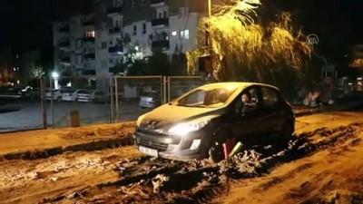 Çamura saplanan otomobil kurtarıldı - EDİRNE