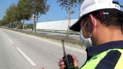 emniyet kemeri -  Düzce'de hız yapan sürücülere ceza yağdı