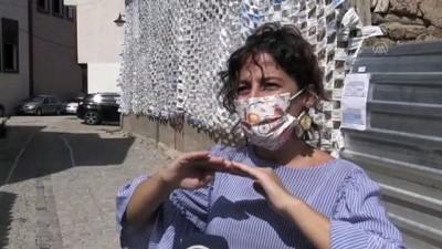bag kur - Evin duvarını boydan boya cerrahi maskelerle kapladı - ESKİŞEHİR