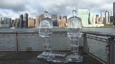 İklim değişikliğine dikkat çekmek için, Trump ve Bolsonaro'nun buzdan heykelini yaptılar - NEW YORK