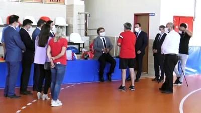 Vali Aydoğdu'dan Aksaray Belediyespor Kadın Hentbol Takımı'na ziyaret
