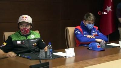 Bakan Kasapoğlu genç motor sporcularını kabul etti