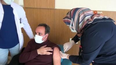 Ağrı'da korona virüs aşısı yapılmaya başlandı