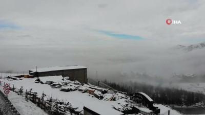 Kayseri'de görsel şölen: Kent merkezi sis denizinde kayboldu