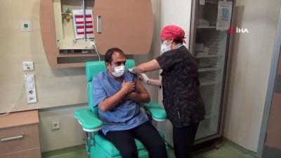 Korona aşısı için mutlaka randevu alınması gerekiyor