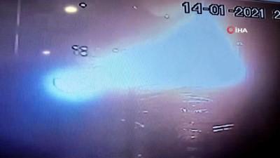 Ordu'da kaza sonrası otomobil alev topuna döndü... Otomobilin patlama anı kamerada