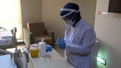 Uşak'ta ilk Covid-19 aşıları uygulandı